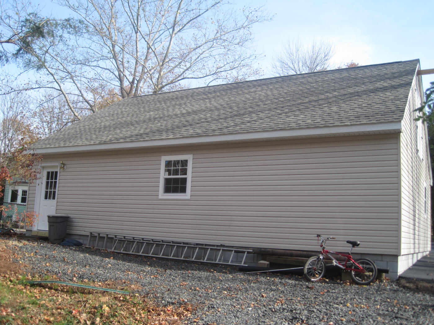 row builders lucas mid in shed lean sized garage htm garages barns run horse and maryland sheds amish